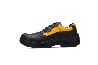 China Engineers Black Waterproof Safety Shoes SRC With Embossed Cow Leather Upper distributor