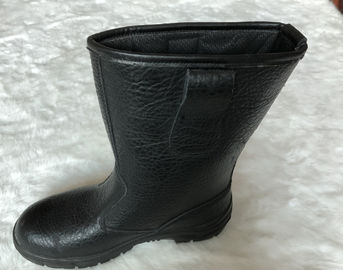 China Cow Leather Steel Toe Knee Boots , Pu Injection Slip Resistant Rubber Boots distributor